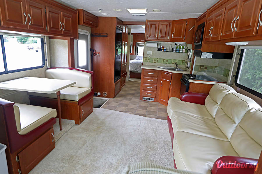 FOUR WINDS THOR HURRICANE Class A motorhome for your next adventure!!!! Chatsworth, CA