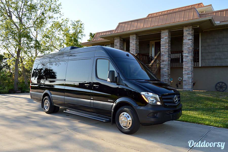 exterior Seattle Mercedes Benz Sprinter Luxury Limo/RV Black Seats 8 Sleeps 8 Redmond, WA