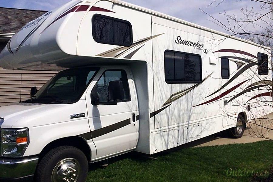 Forest River Sunseeker LE  Bunkhouse.  Sleeps 10    Unit WMI 207 Grandville, MI