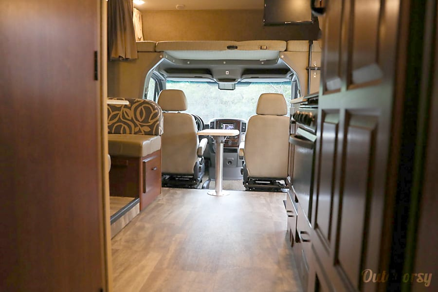 interior 2015 Mercedes BENZ Sprinter Solera, Sleeps 6 San Antonio, TX