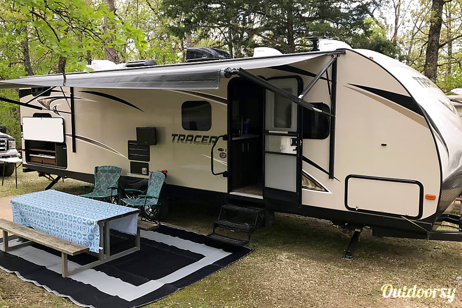 exterior 2019 Prime Time Tracer Ofallon, MO