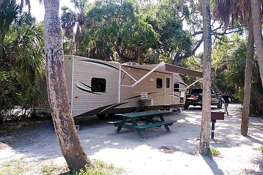 2018 Shasta oasis 33ft available  free delivery locally with in 20 miles of 33710 free up to 80 miles with 7 or more days rental Saint Petersburg, FL