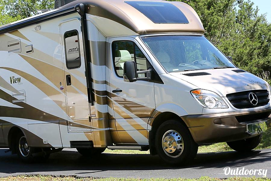 interior 2014 Mercedes Benz Sprinter Winnebago View Austin Austin, TX