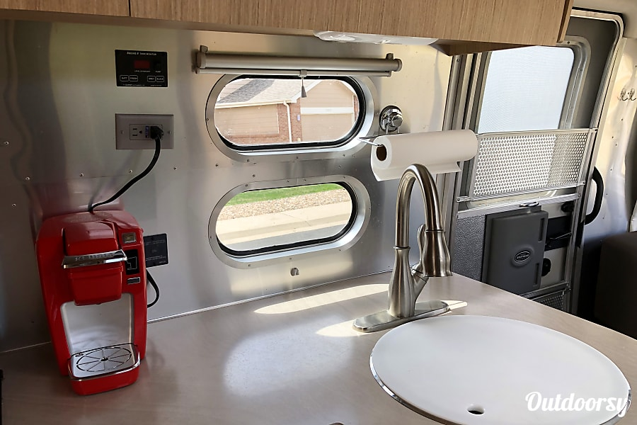 interior 2018 Airstream Flying Cloud - Ask about Delivery! Parker, CO