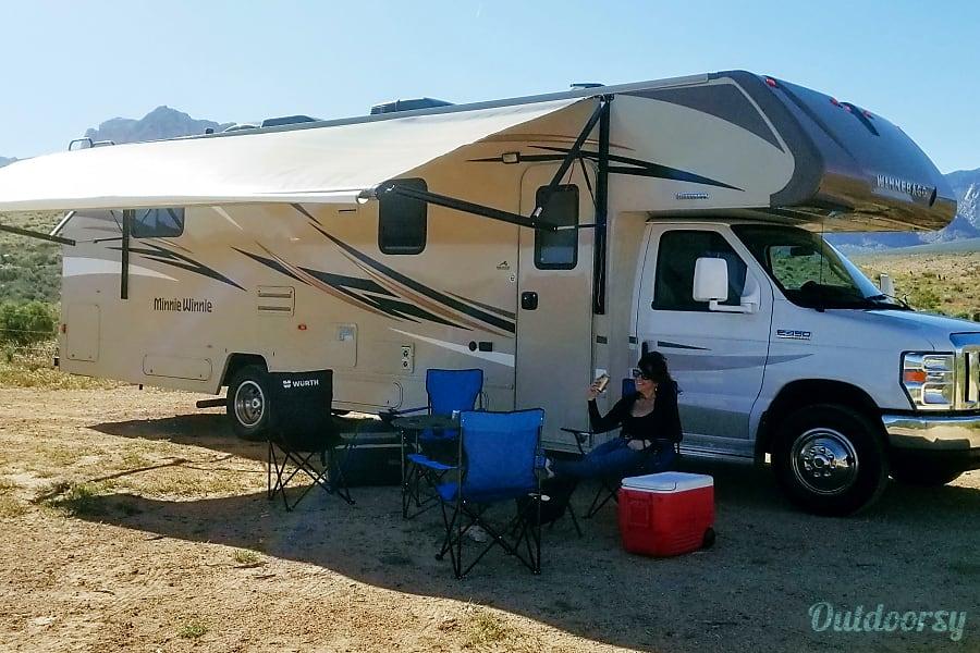 exterior 2017 Winnebago Minnie Winnie North Las Vegas, NV