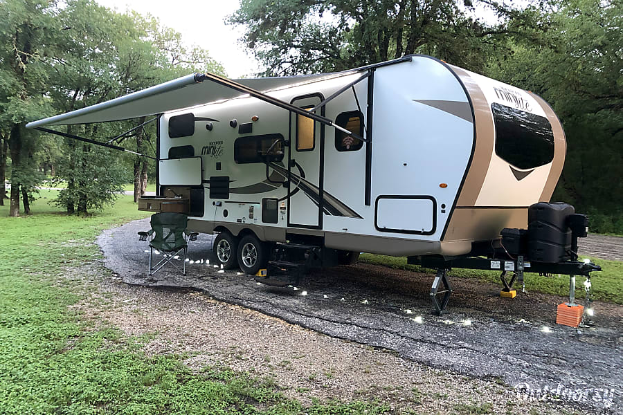 exterior The Rock - 2018 Rockwood Mini Lite 2509S sleeps up to 8 =  Room for all the neighborhood kids! Fort Worth, TX