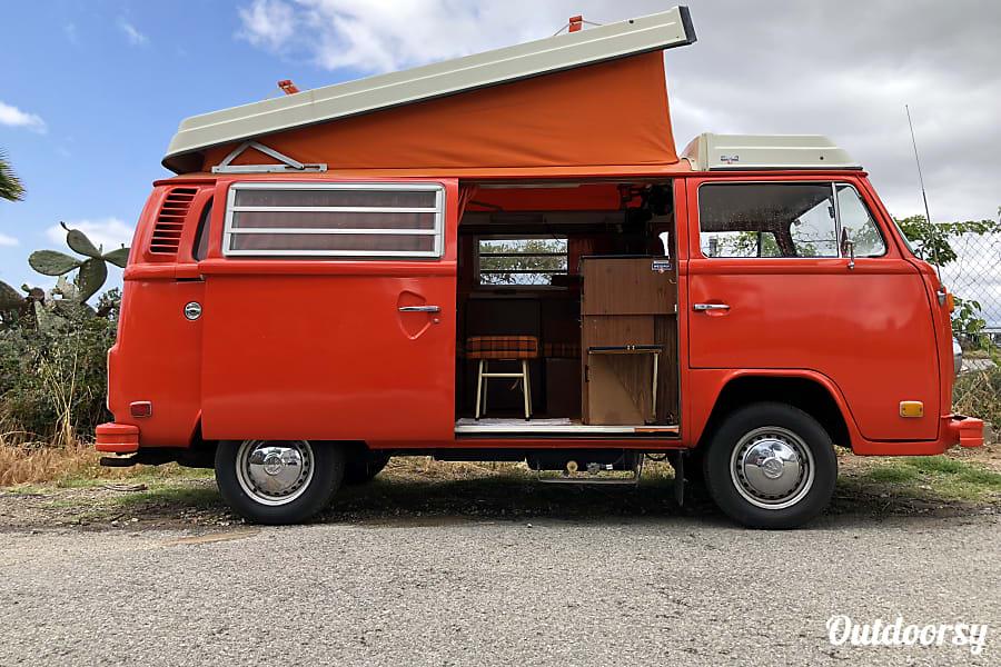 Vw Camper Van >> Awesome 1974 Volkswagen Westfalia Camper In Los Angeles Ca