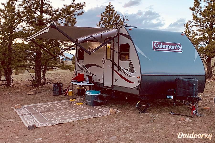 2018 Coleman light lx 1755fd Littleton, CO