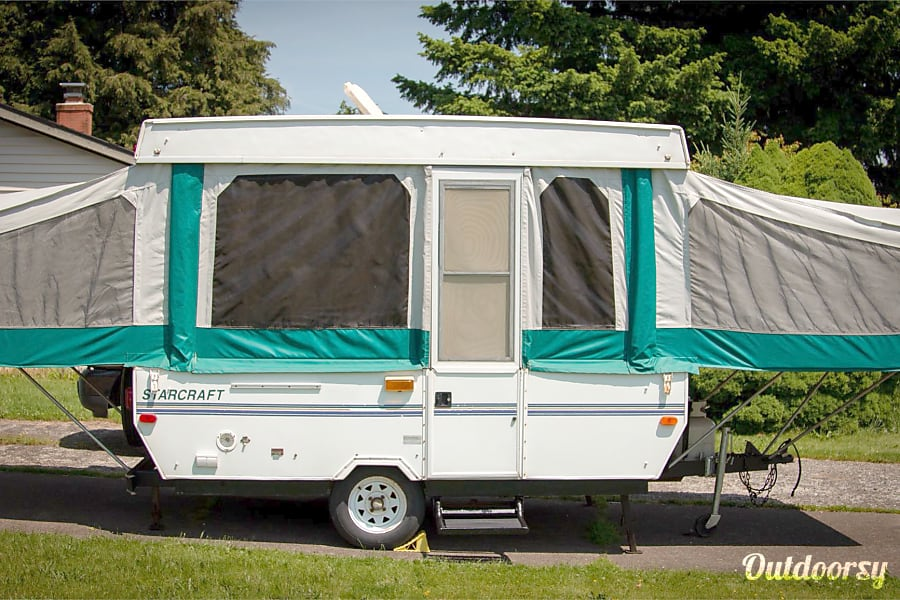 exterior Starcraft Pop-Up Camper Portland, OR