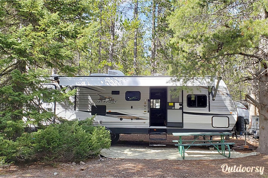 The Harrison's Luxury, Fully-stocked, Family friendly, Adventure Camper Rigby, ID