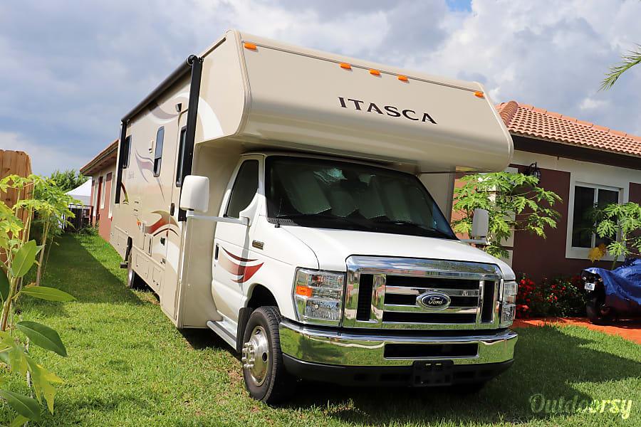2015 Itasca Spirit 31K - 33ft Non Diesel Sleeps Up To 8 People Florida City, FL