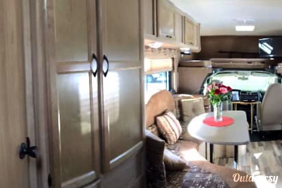 2014 Coachmen Freelander 22QB - 300 Miles FREE with any 7 day rental Cape Coral, FL