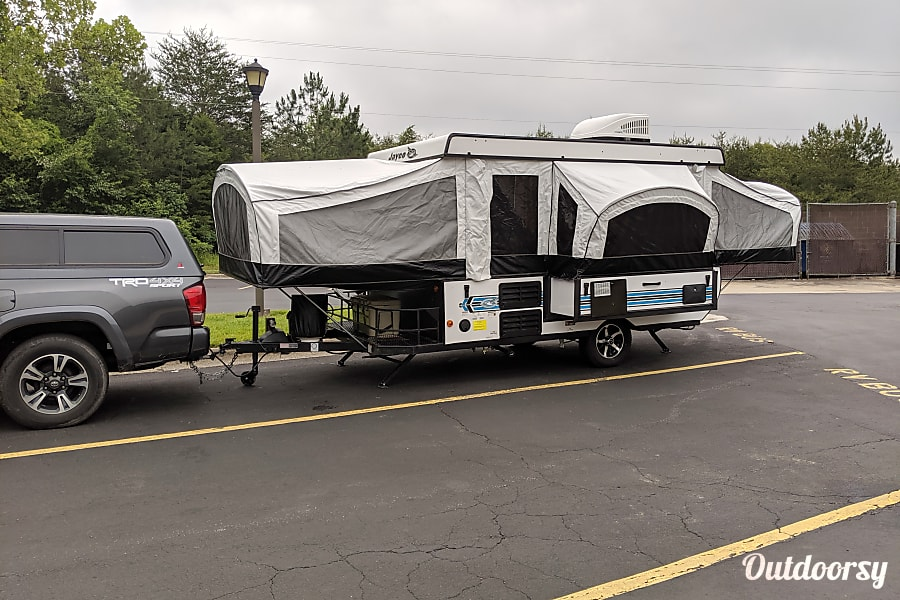 exterior 2019 Jayco Sport - Cold A/C - inside and outside showers - sleeps 6 Painesville, OH