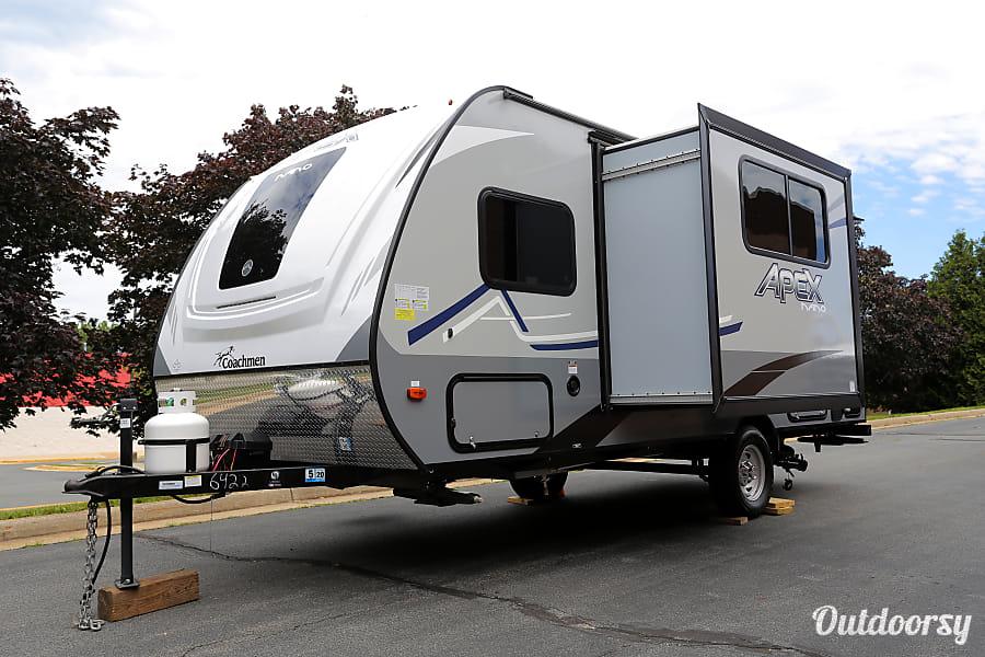 RV 35: 2020 Coachmen Apex Nano 193BHS Herndon, VA