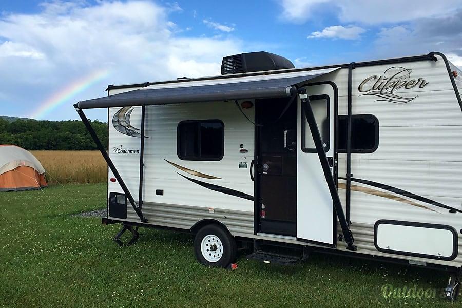 exterior 2015 Coachmen Clipper Stafford, VA