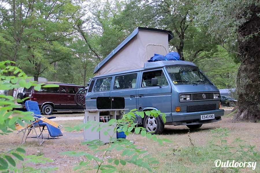 campervan rentals in London - Lenny the VW T25