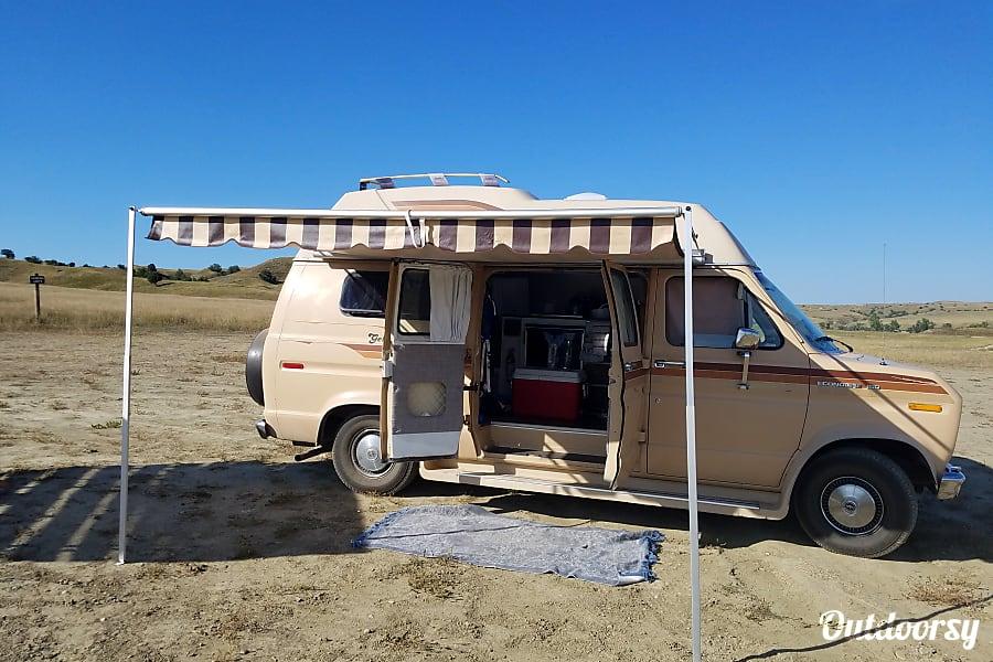 exterior The Getaway Van Seattle, WA