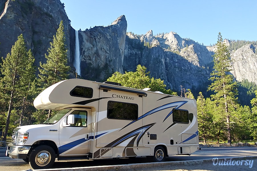 exterior 2019 Chateau, King Size Bed, WI-Fi Booster. RV having funn yet? Rocklin, CA