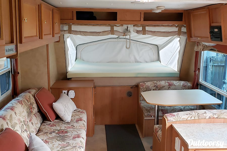 interior Ready to go camping 2006 Jayco Jay Feather Exp Maplewood, MN