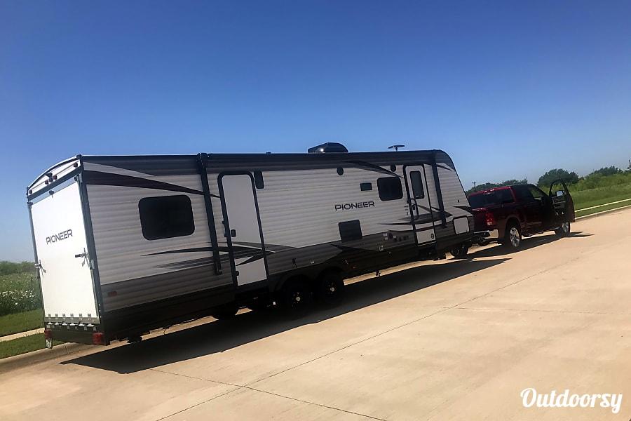 exterior 2019 Heartland Pioneer Crowley, TX