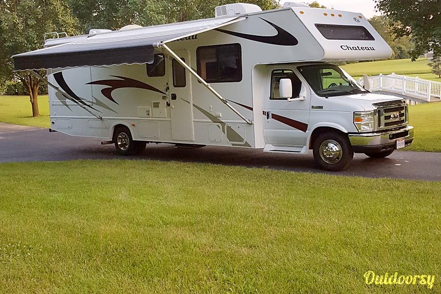 2008 Thor Motor Coach Chateau Springboro, OH
