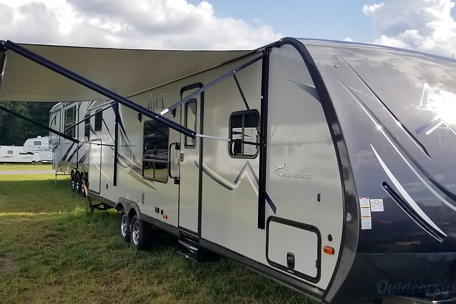 exterior 2018 Coachmen Apex California, MD