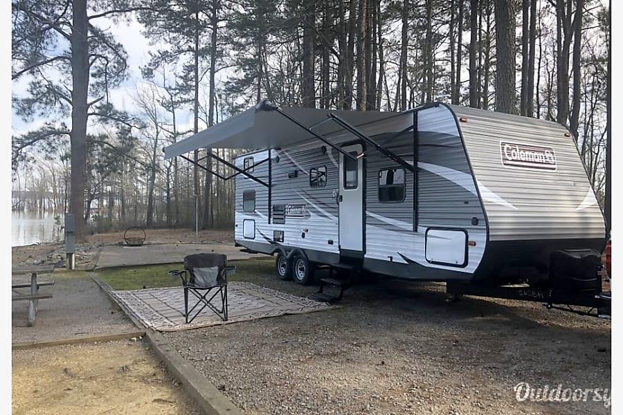 exterior 2018 Coleman 262BH Murfreesboro, TN
