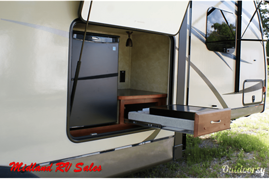 floorplan 2015 Streamlite 29BIK Midland, MI