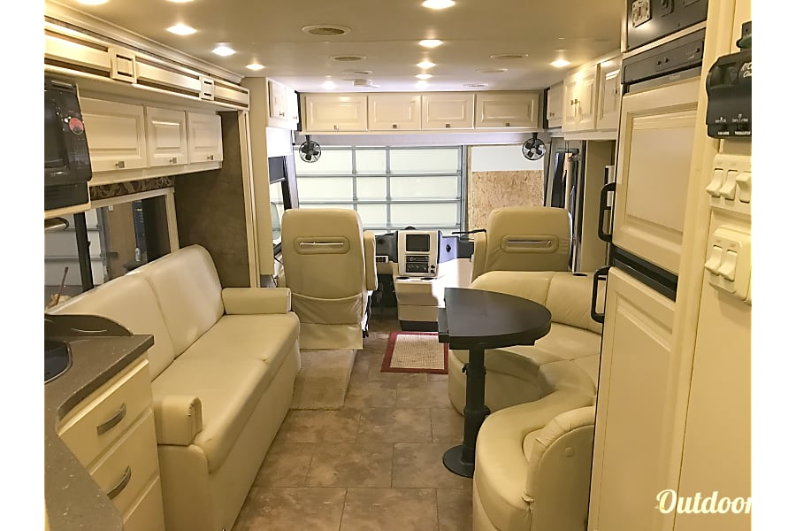 floorplan 2011 Tiffin Motorhomes Allegro Breeze Cochranton, Pennsylvania