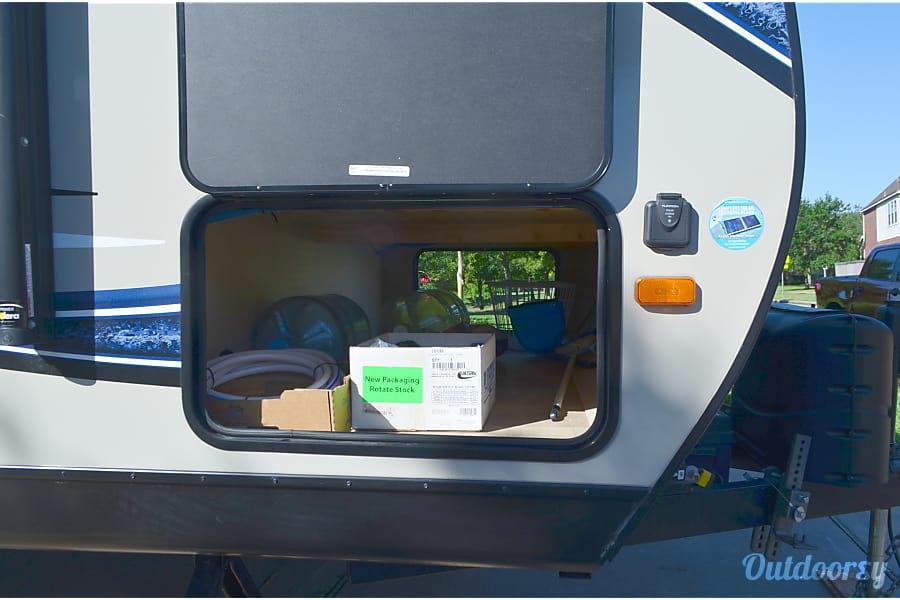 floorplan Happyman's travel trailer RV Pearland, TX