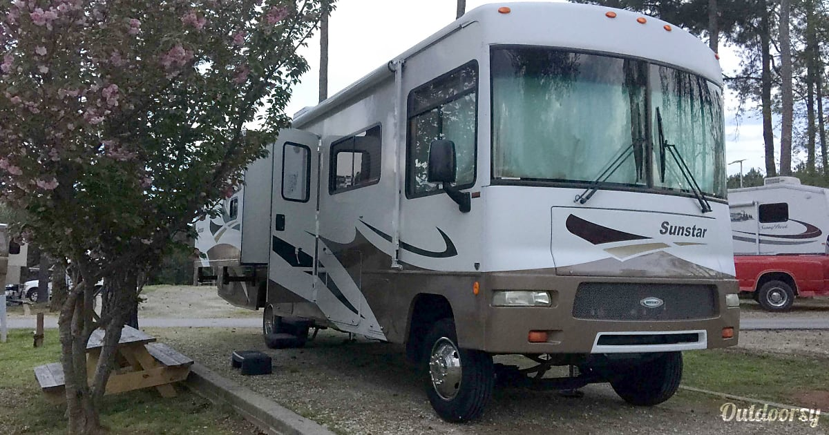 2008 Itasca Sunstar Motor Home Class A Rental In