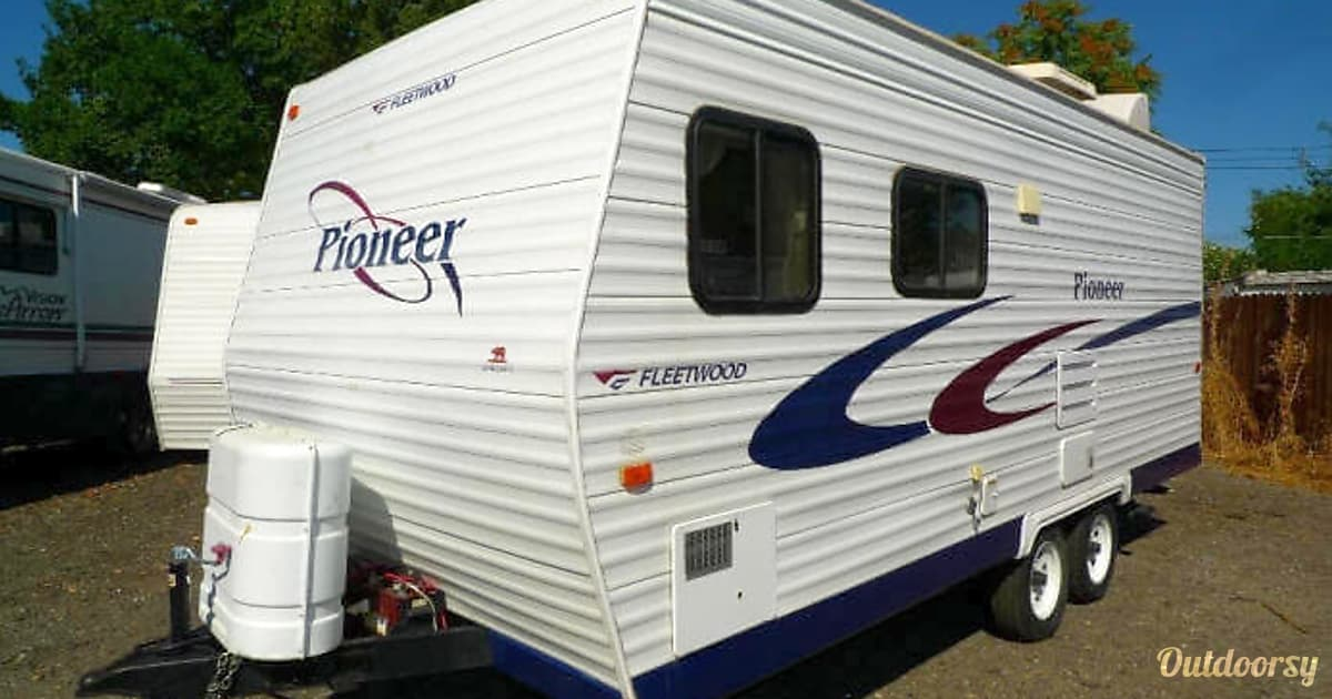 fleetwood pioneer trailer rental in sacramento ca outdoorsy. Black Bedroom Furniture Sets. Home Design Ideas