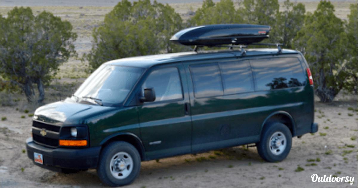 2004 Chevrolet Express G2500 Motor Home Camper Van Rental