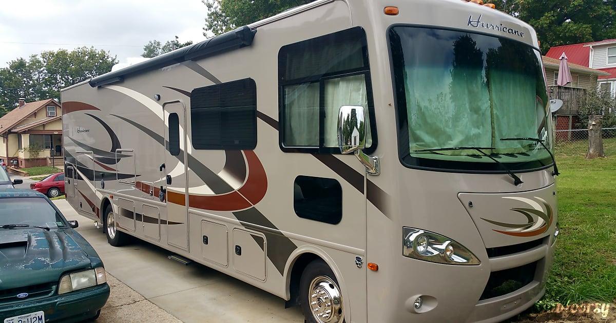 2016 Thor Motor Coach Hurricane Motor Home Class A Rental