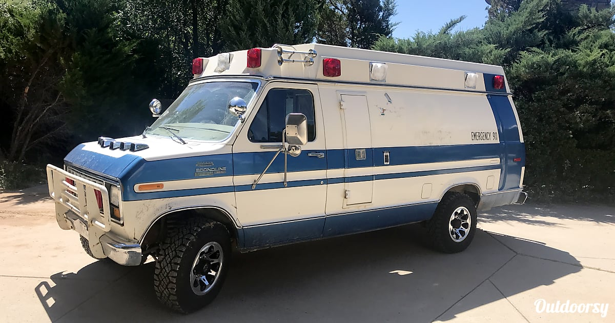 1983 Ford E350 Vintage Ambulance Motor Home Camper Van