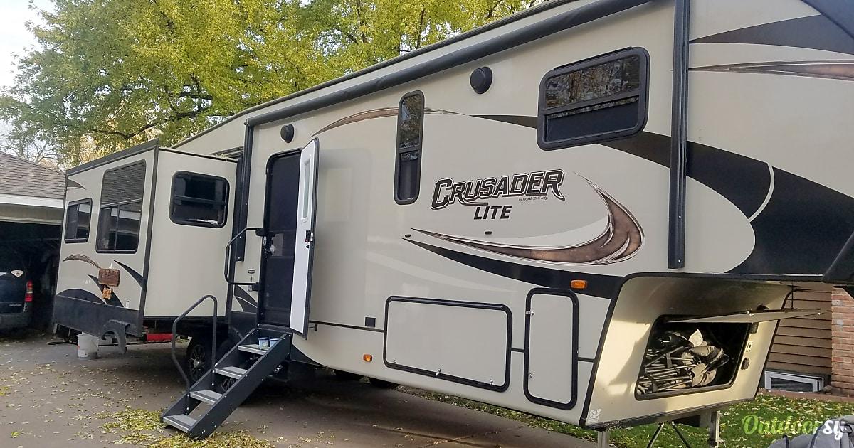 Van Rental Houston >> 2017 Prime Time Crusader Fifth Wheel Rental in Coon Rapids ...