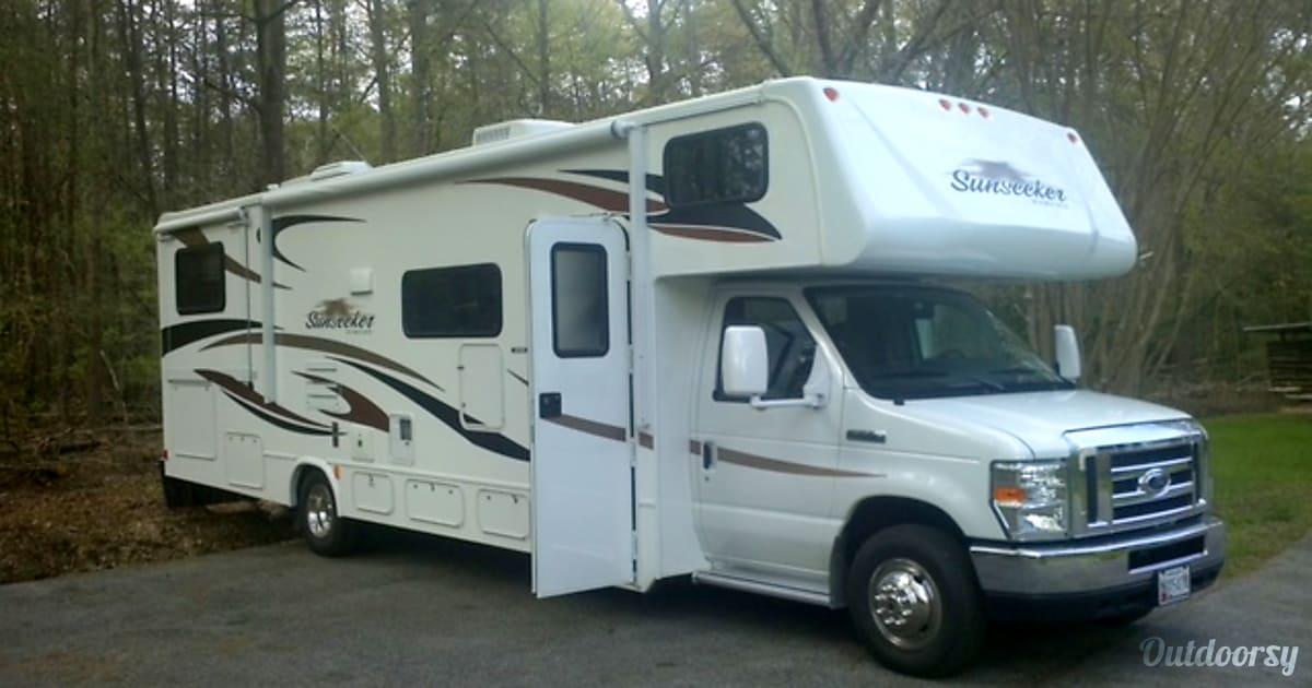 2012 Forest River Sunseeker Motor Home Class C Rental In