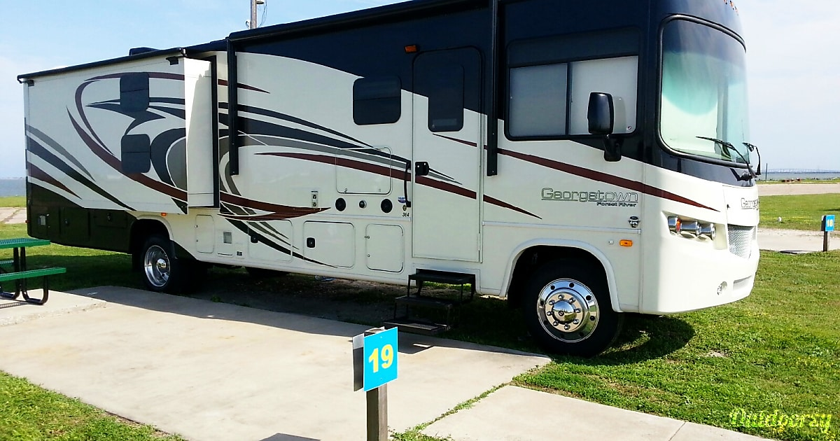 2015 Forest River Georgetown Motor Home Class A Rental In