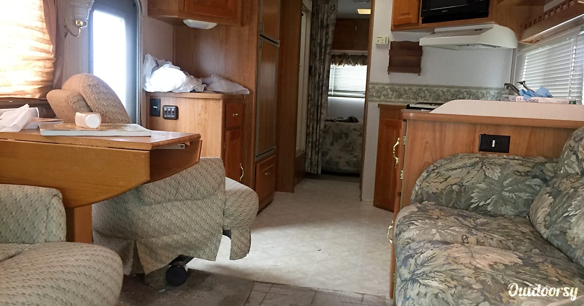 2001 Coachman Santara Motor Home Class C Rental In Gilroy
