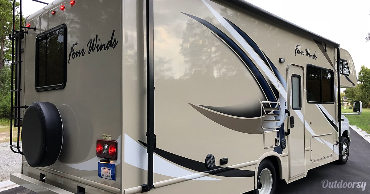 2018 Thor Motor Coach Four Winds 26b Motor Home Class C