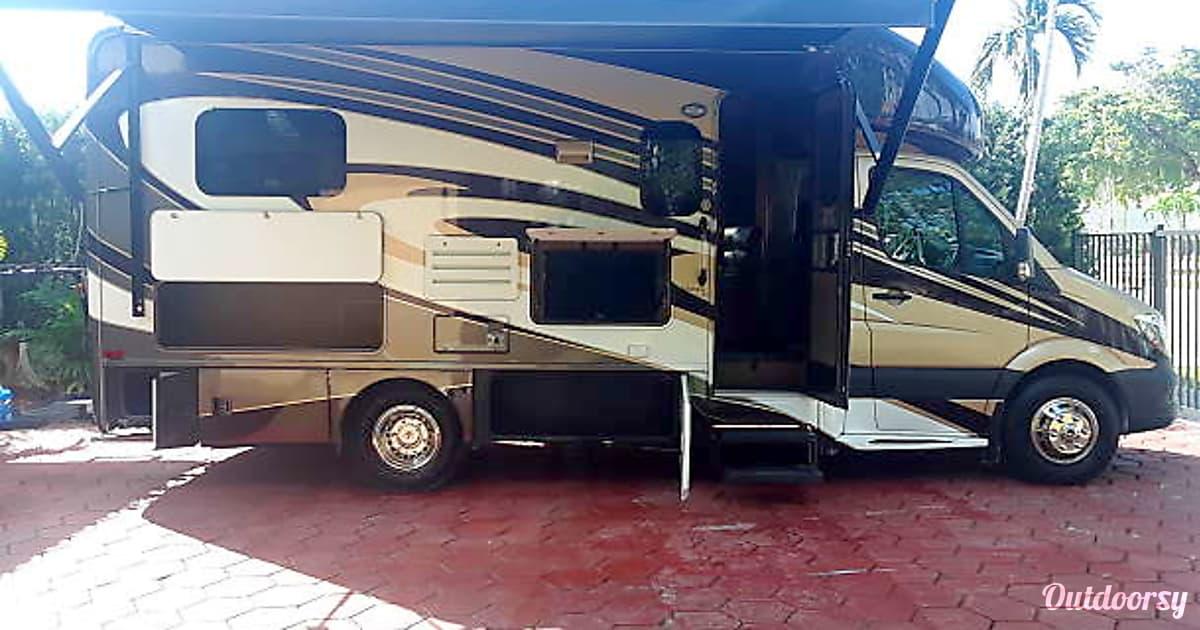 2016 Thor Motor Coach Thor Citation Motor Home Class C