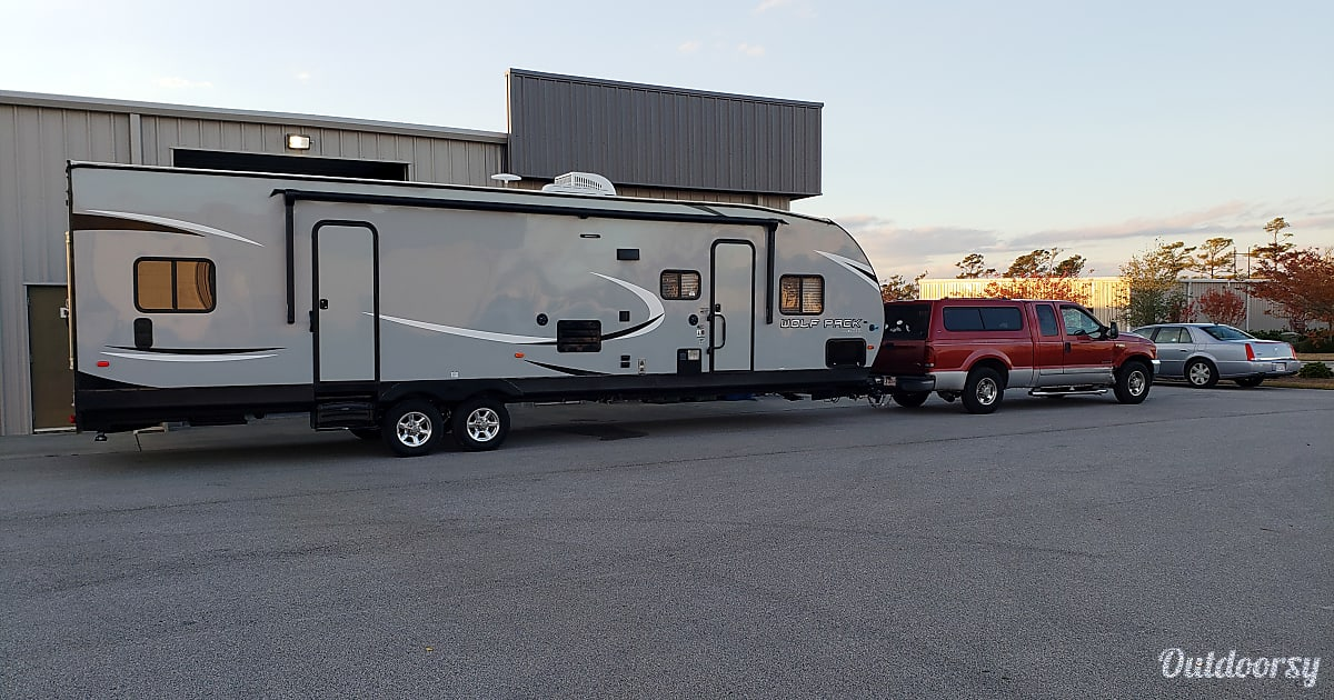 2019 Forest River Wolf Pack Motor Home Toy Hauler Rental