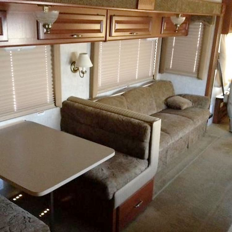 Dinette - Double Bed