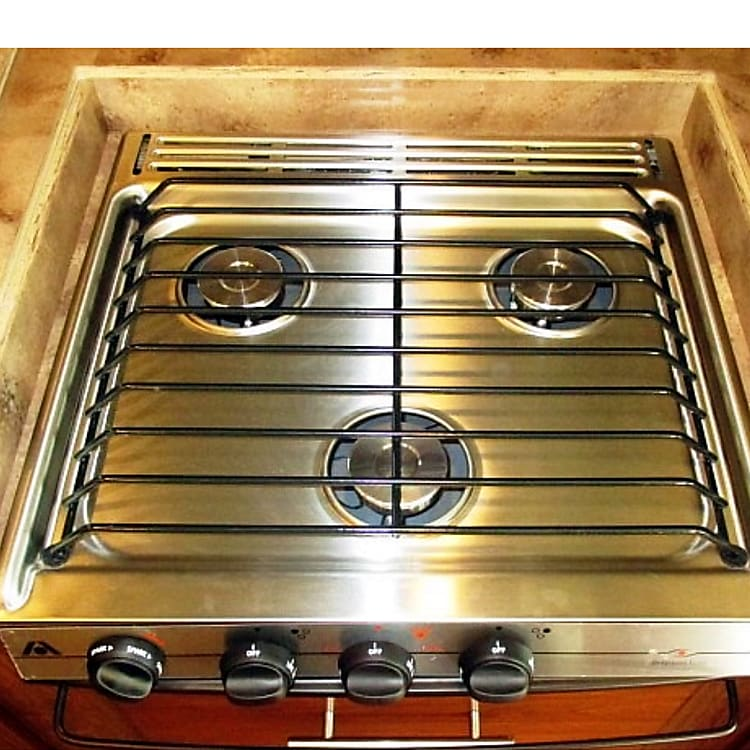 3 stove burner for those multitasker