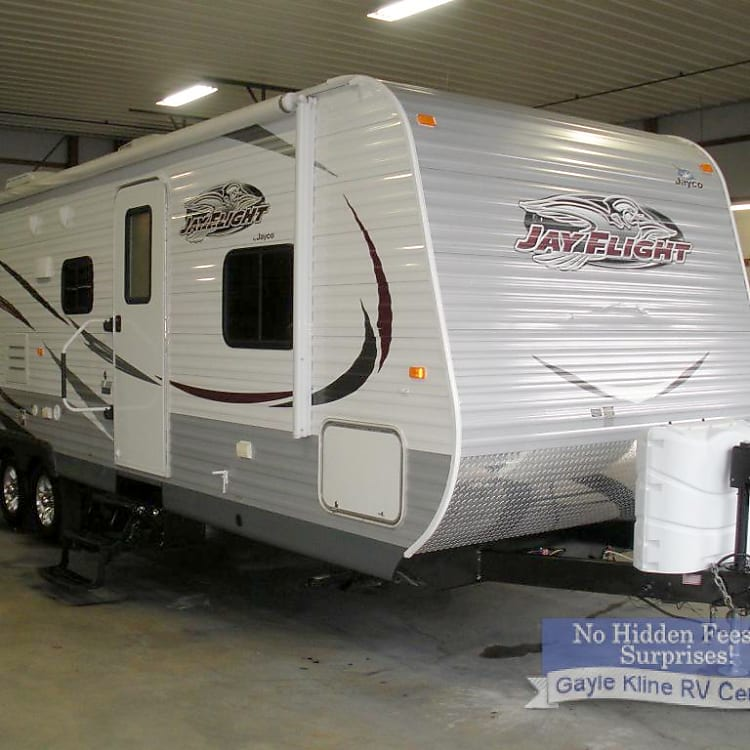 Brand new to the rental market this camper has zero wear and tear and EVERYTBING functions flawlessly. Regularly serviced by dealer and ready for family getaway.