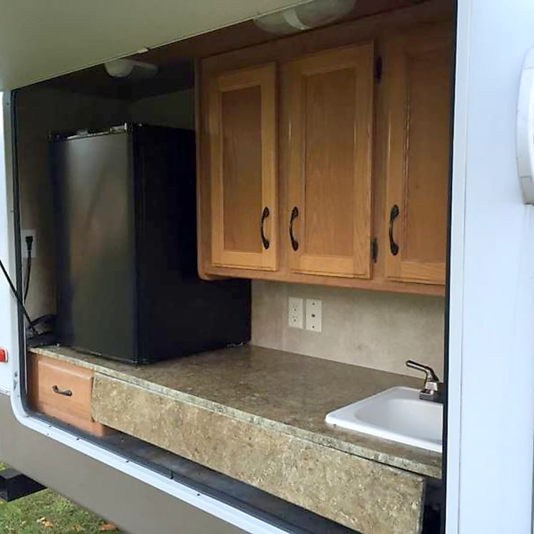Close up of outdoor kitchen