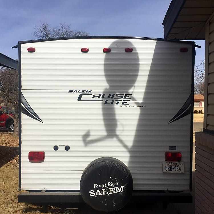 Rear view of the trailer.