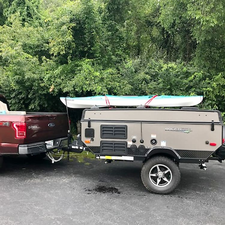 Easy to tow with roof rails for kayak and bike rack