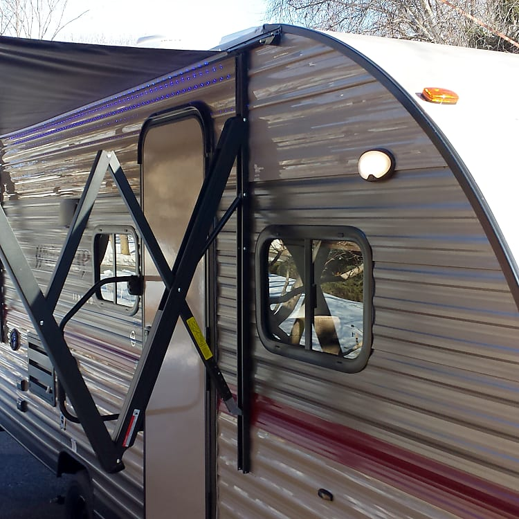 Power awning with many other Xtras. A great little camper packed with all sorts of Xtras inside and out. We want to make your next camping trip EZ, relaxing and refreshingly memorable.
