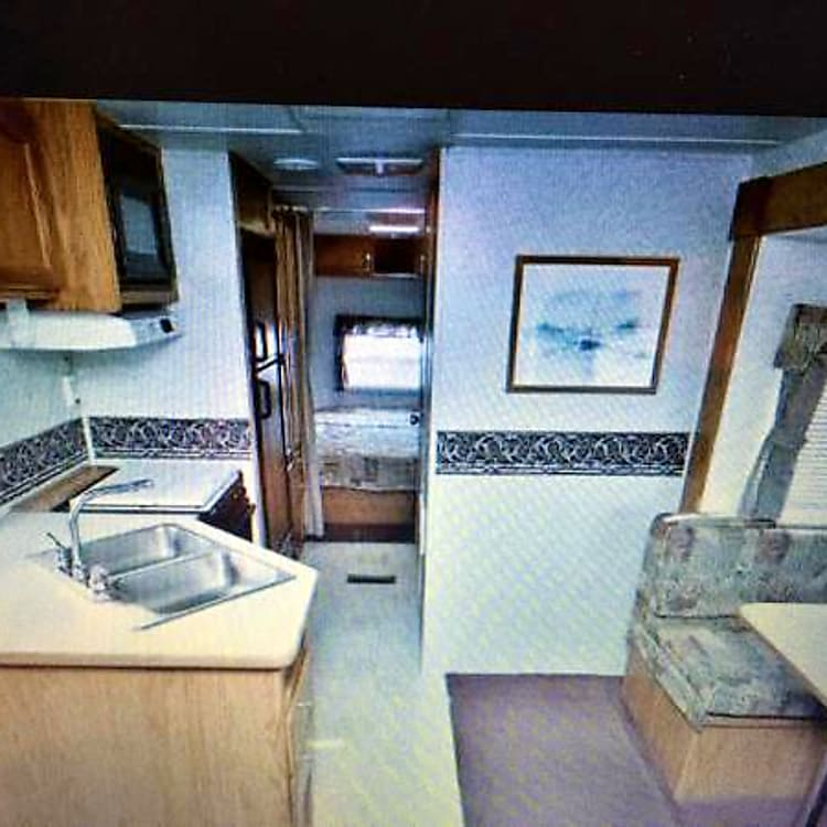 Spacious kitchen and dinette area